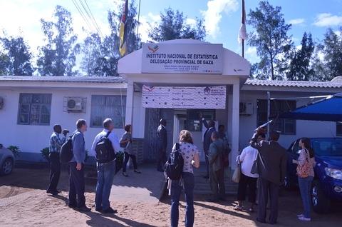 Os parceiros do Censo 2017 chegam ao escritório provincial do INE em Gaza. ©UNFPA Moçambique