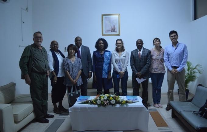 Os parceiros do Censo 2017 se reúnem com a Governadora de Gaza, Stela Pinto Zeca. ©UNFPA Moçambique