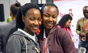 Raparigas jovens na Conferência Internacional de SIDA de 2016 na África do Sul ©Corrie Butler/UNFPA ESARO